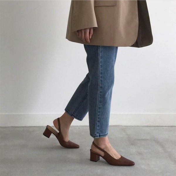 2019 spring new baotou web celebrity chic sandals ladies instagram trend retro square head high heel thick heel heel shoes empty